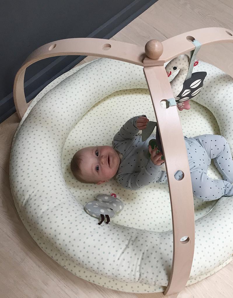 BabyRing off-white baby nest / cushion - Franck & Fischer