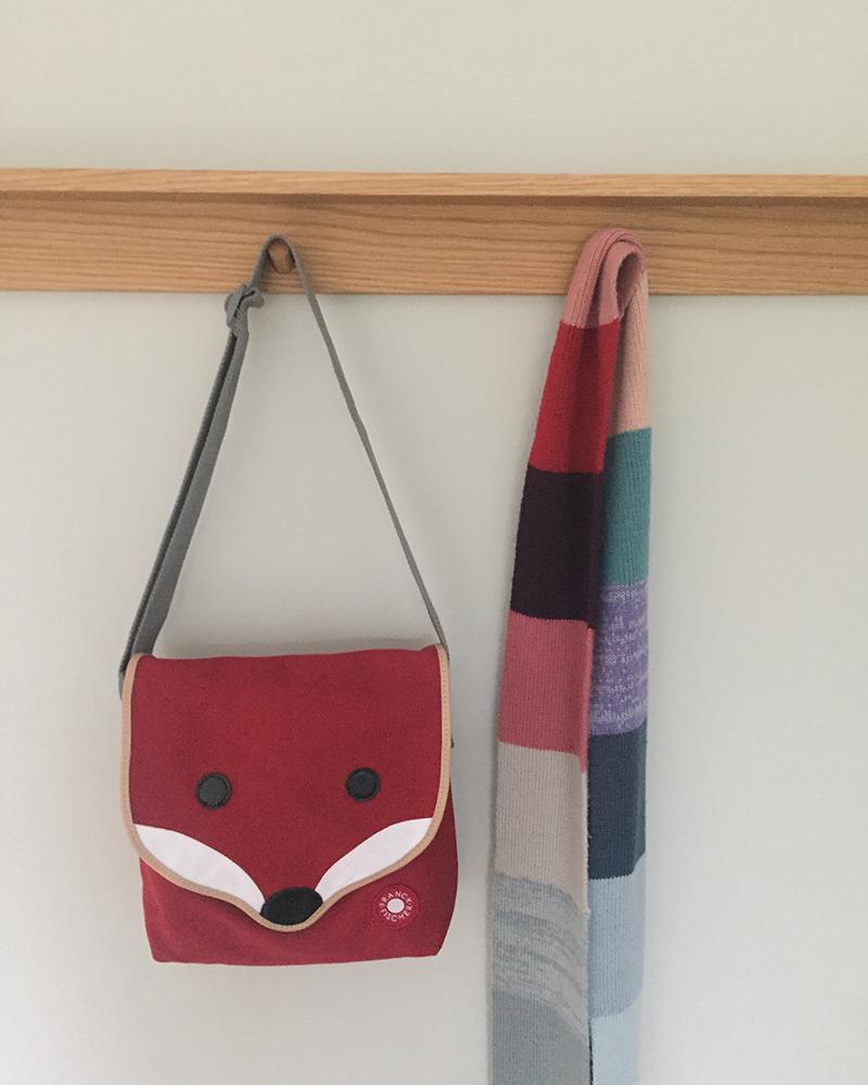 Henry fox shoulder bag