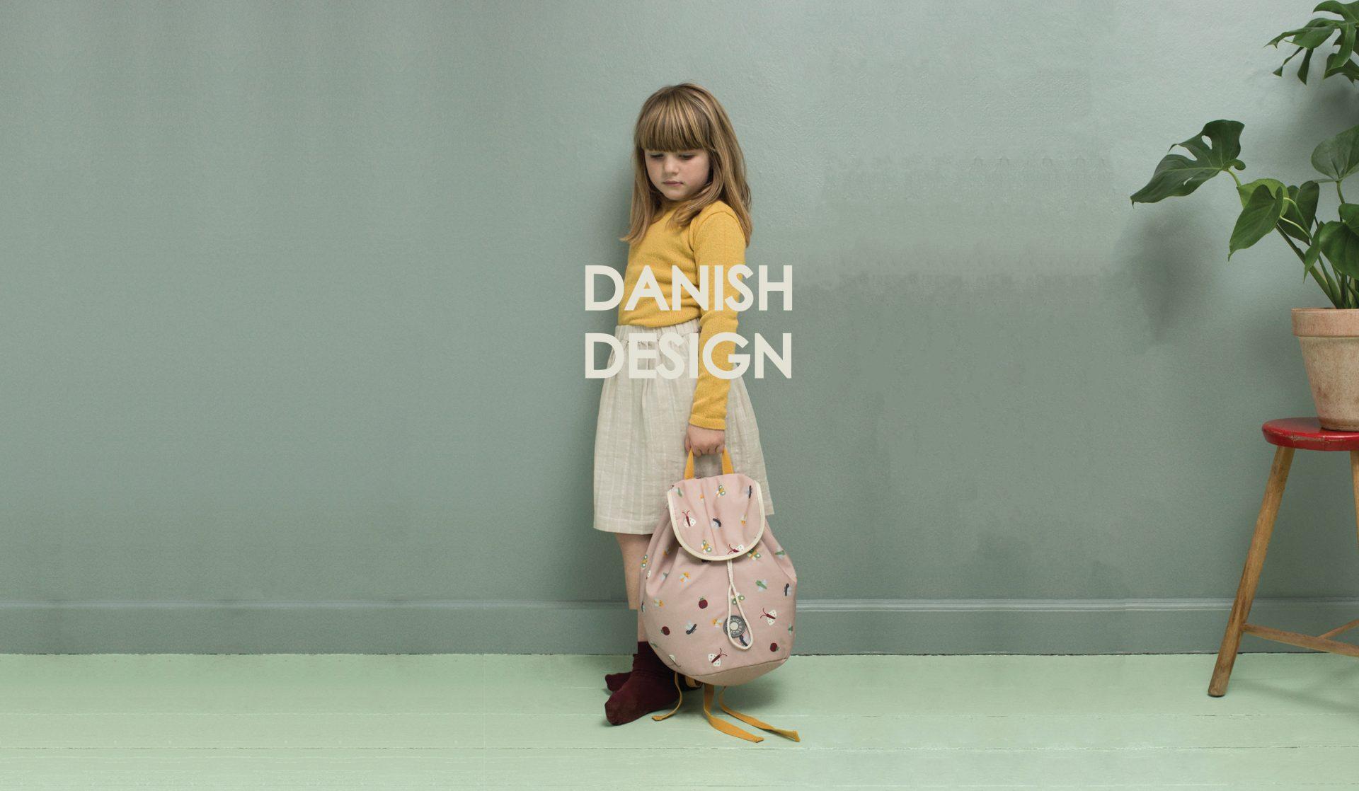 A2 DANISH DESIGN Pige med taske