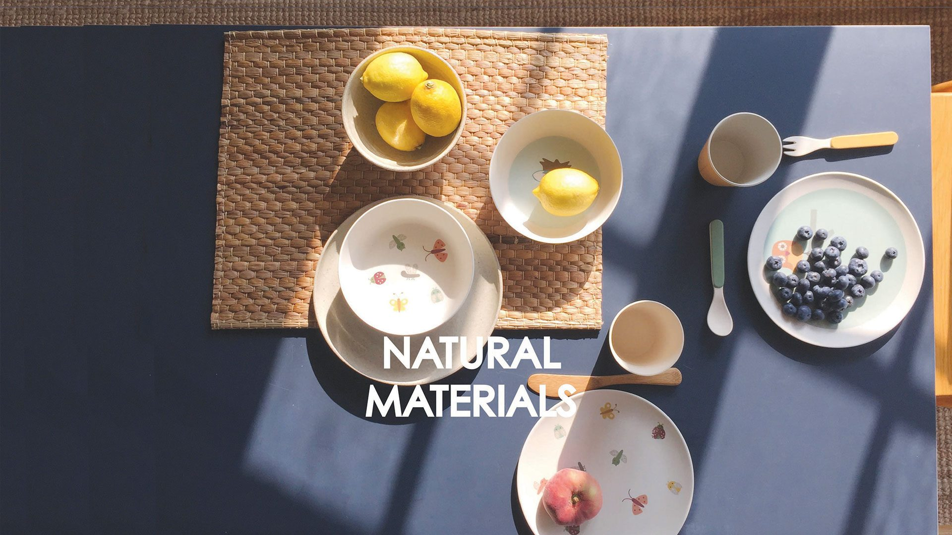 2-NATURAL-MATERIALS-with-dinner-set